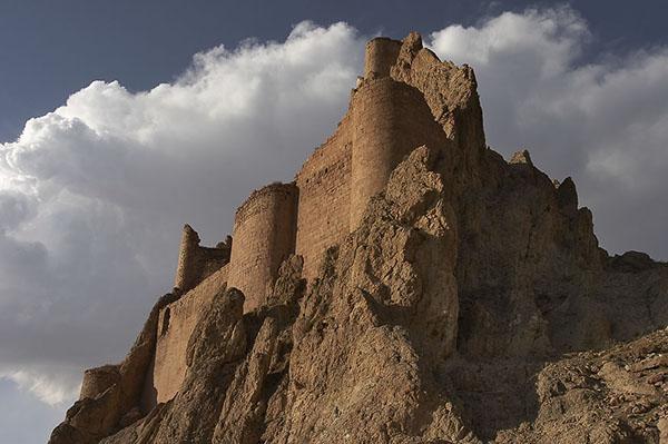 Fortifications near Ishak Pasha Saray