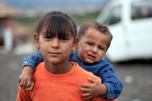 Брат и сестра (Децата от махалата)