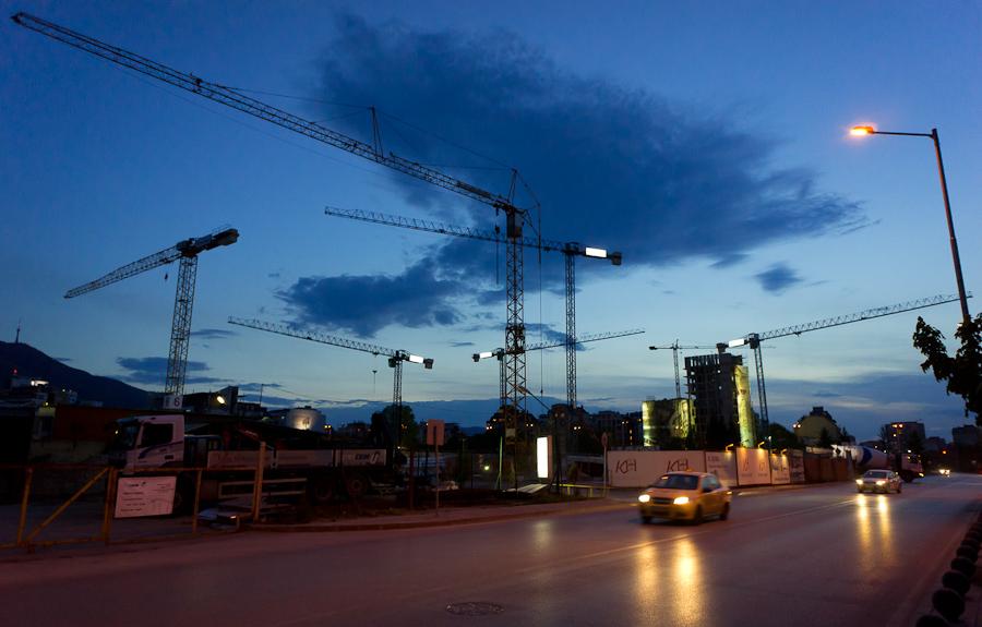 Строеж на поредния супер, мега, хипер мол на бул. България