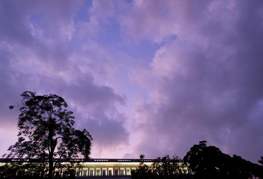 Лилави облаци